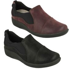 Clarks Wide (E) Synthetic Flats for Women