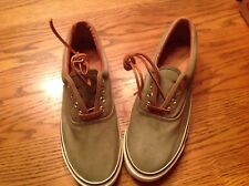 Men's Bass Green Canvas Shoes 9M Leather Strings