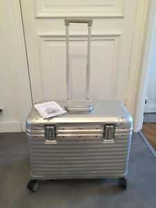 Rimowa Topas Pilot suitcase