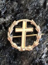 New listing Vintage Christian Wreath Surrounding Cross Gold Tone Pin