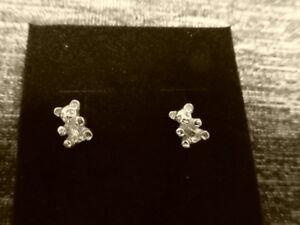 9CT yellow Gold  Teddy Bear stud earrings (Hallmarked)