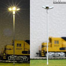 lot 2 Modèle Train Lampadaire HO projecteur à LED éclairage place lumière #014W