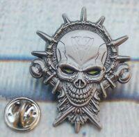 Totenkopf Skull Grüne Augen Gothik Biker Pin Button Badge Anstecker # 160