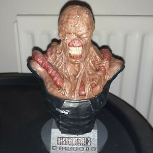 Resident evil nemesis 3d printed bust (painted)