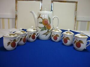 Royal Worcester Chocolate Pot With 6 Matching Cups with Lids all in excellent Co