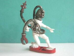 1 x BRITAINS DEETAIL. SPACE SERIES ALIEN CYBORG SOLDIER 54mm SCALE .. to clear