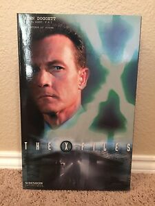 Sideshow X-Files John Doggett Exclusive