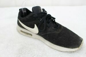 Nike Air Max Tavas Black & White Athletic Shoes Size - 10.5 Wide