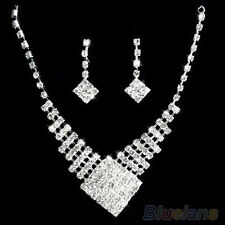 WHITE GOLD PLATED CRYSTAL JEWELLERY SET WITH VELVET BAG