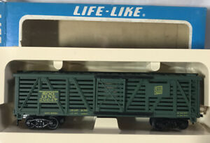 Vintage Life-Like HO Scale ~ Soo Line Livestock Car 29647 (Green) ~ NEW IN BOX