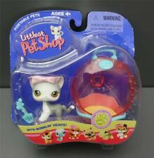 NEW IN PACKAGE Littlest Pet Shop #138 Gray Cat Pink Bow Litterbox Scooper