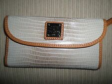 Dooney & Bourke Pearl w Butterscotch Brown Signature Dillen Checkbook Wallet NWT
