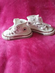 Converse all star Baby Boy, Girl  Shoes Trainer boots. Size 4 White...