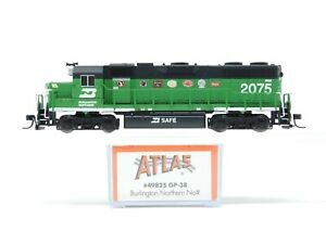 N Scale Atlas 49825 BN Burlington Northern EMD GP38 Diesel #2075 - Custom