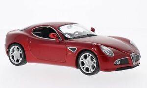 Alfa Romeo 8C Competizione, metallic-rot, 1:24, Welly