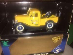 Rare Solido 1.18 Michelin Breakdown Tow Truck Recovery 1934