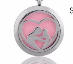 NEW Essential Oil Diffuser Necklace Locket Pendant Mother/Child Heart & 5 Pads