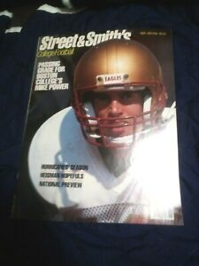 1988 Street and Smith's College Football Yearbook  near mint  (see scan)