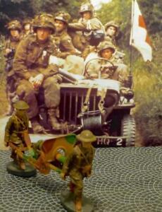 2 US Soldiers Carrying Cap Firing Machine Gun-3 Pcs-Elastolin-Lineol-Hausser