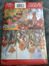 Vogue Craft 9299 531 Pattern Gingerbread Christmas Tree Skirt Ornaments UNCUT