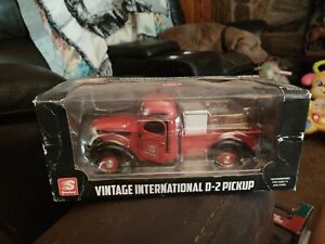Vintage 1936 International D-2 Pick-up Red Speedway First Gear 1/25 Scale READ
