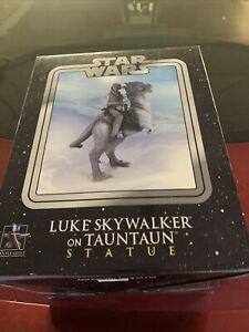 Gentle Giant Sideshow Star Wars Luke Skywalker TaunTaun Limited Edition Statue