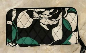 Vera Bradley RFID Georgia Wallet in Imperial Rose, Zip Around, NWT