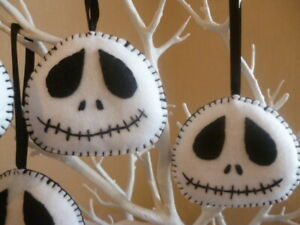 **HAND MADE**1  X FELT GHOST FACE  HANGING  DECORATIONS**