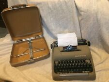 VINTAGE MID-CENTURY PORTABLE SMITH-CORONA STERLING TYPEWRITER GREEN OLIVE & CASE