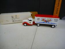 1993 ERTL Boone County Fair Diamond T Reo Truck