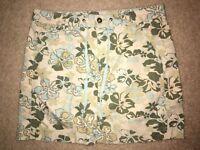 DKNY Jeans Skirt Size 6 Beige w/ flowers 100% cotton Above Knee Pockets FrontZip