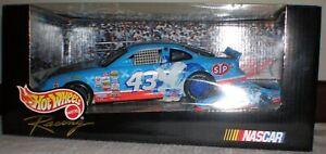 Hot Wheels Racing John Andretti #43 STP 2 Car Set