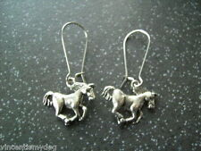 BRAND NEW * GORGEOUS GALLOPING HORSE PONY EARRINGS IN PRETTY ORGANZA GIFT BAG *