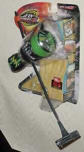 ROAD CHAMPS FLY WHEELS SPIT FIRE LAUNCHER AND WHEEL NEW IN PACKAGE