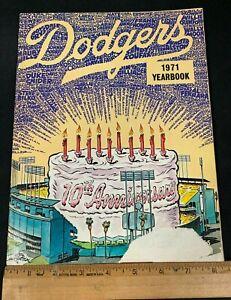 1971 VINTAGE BASEBALL LOS ANGELES DODGERS YEARBOOK *10TH ANNIVERSARY* 4121