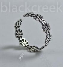 925 Sterling Silver ~   Daisies ~  Floral ~ Adjustable ~ Toe Ring