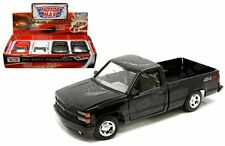 Motor Max 1:24 Display 1992 Chevrolet 454 SS Pickup Truck Diecast Car 74203D