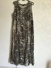 Fully lined  Maxi Dress size 42/44 Fits size 16