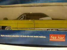 Sunstar 1956 Lincoln yellow 1:18 scale diecast model car in box