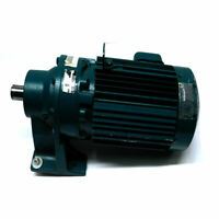 Sumitomo 4P TC-F 1.5 HP 3 Phase Induction Motor w/CNHM-1R-410H-YB Speed Reducer