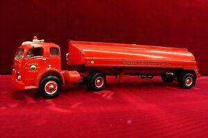 VHTF - MARION PENNSYLVANIA 1953 WHITE FIRE TANKER - First Gear 1/34th