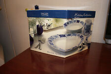 """Vintage Sakura by Oneida 16 Piece Dinner Set """"Winter Frost"""" Holiday Collection"""