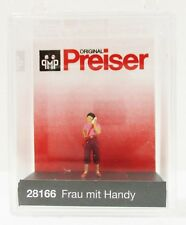 Ho Scale Preiser Kg 28166 Woman Talking on Cell Phone Figure