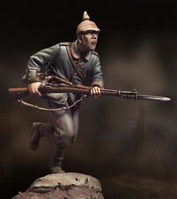 ANDREA MINIATURES S3-F14 - CHARGING GERMAN INFANTRYMAN 1915 - 54mm WHITE METAL