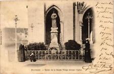 CPA Pontmain Statue de la Sainte-Vierge devant l'eglise (686054)