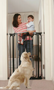 Zoe Extra Tall swing close security Gate Pet Dog care 1 meter high Black