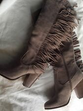 Carlos by Carlos Santana Lever Western Style Fringe Boots in Natural Taupe Sz 8