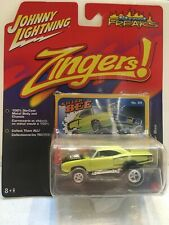 "Johnny Lightning Zingers Street Freaks '70 Dodge Super Bee ""Killer Bee"" #69 1/64"