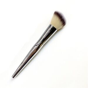 IT Cosmetics LIVE BEAUTY FULLY Flawless Blush Makeup Tool Angled Brush New N°227