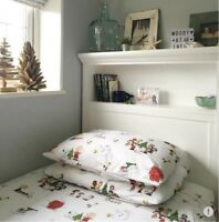 NEW Pottery Barn Peanuts Charlie Brown Holiday Bedding Queen Flannel Pillowcases